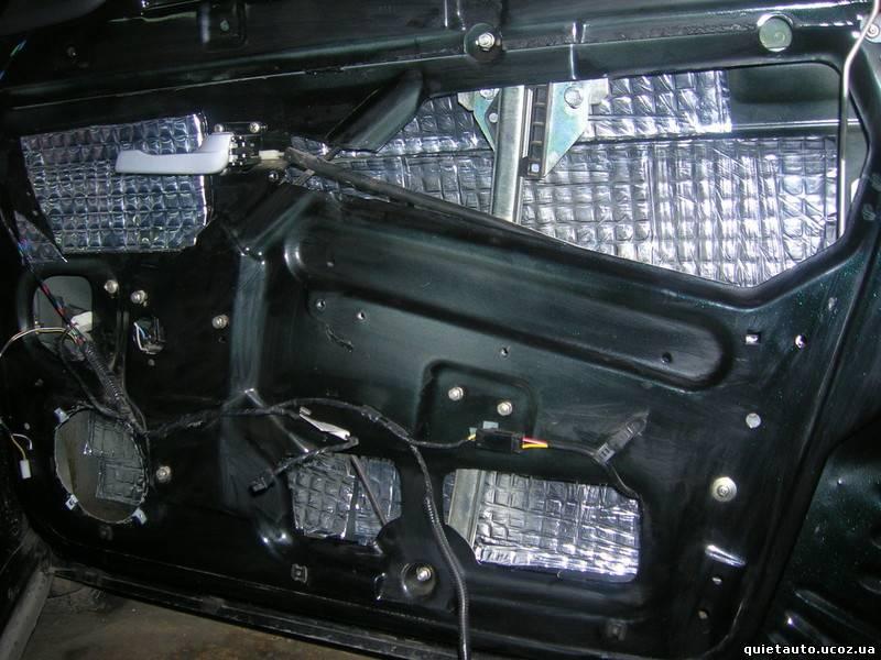 Как проклеить машину шумоизоляцией своими руками приора двери 62